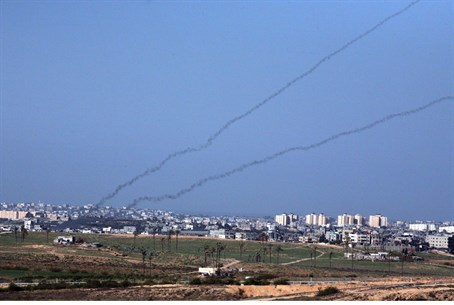 Rocket trails streaking out of Gaza (file)