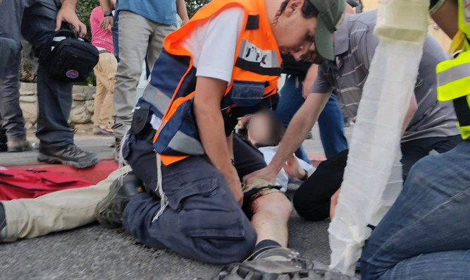 Lod: Jew wounded by Arab gunfire