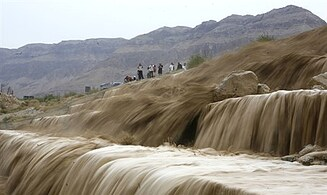 Floods close roads in the Negev