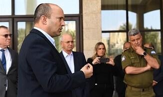 Bennett orders reduction in number of Arab workers entering Israel
