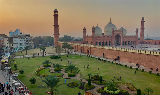 Kings Mosque Lahore, Pakistan